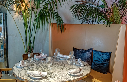 Dining table at Cleo