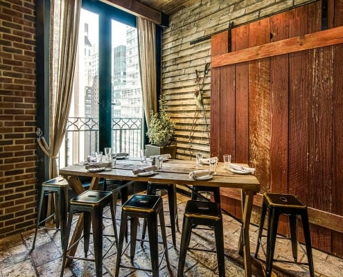 Cty Guide Features Refinery Rooftop in Nightlife in New York C